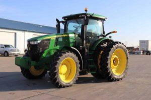 2015 John Deere 7210R 1