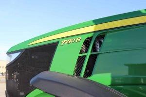 2015 John Deere 7210R 27