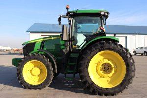 2015 John Deere 7210R 4